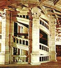 Imagini pentru Scara castelul Chambord